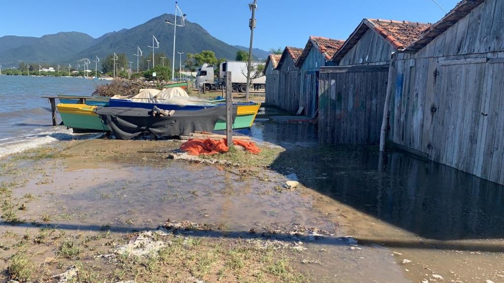 Tavinho quer desassoreamento da foz do rio Aririú