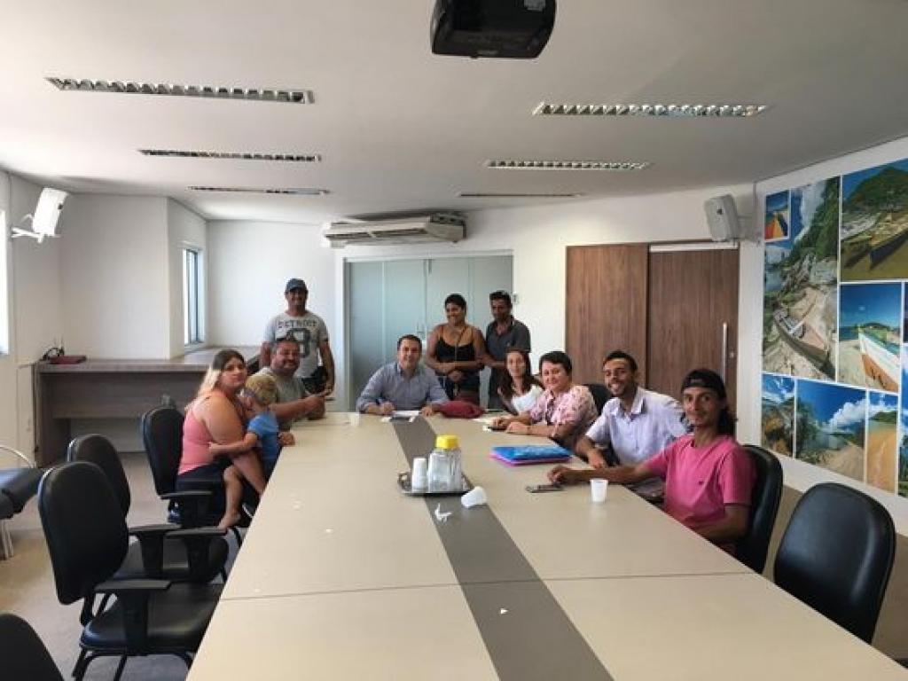 Ocupação Beira-Rio encontra deputado e prefeito