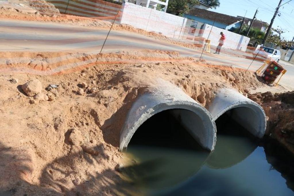 Moradores reclamam de obra no Laranjeiras