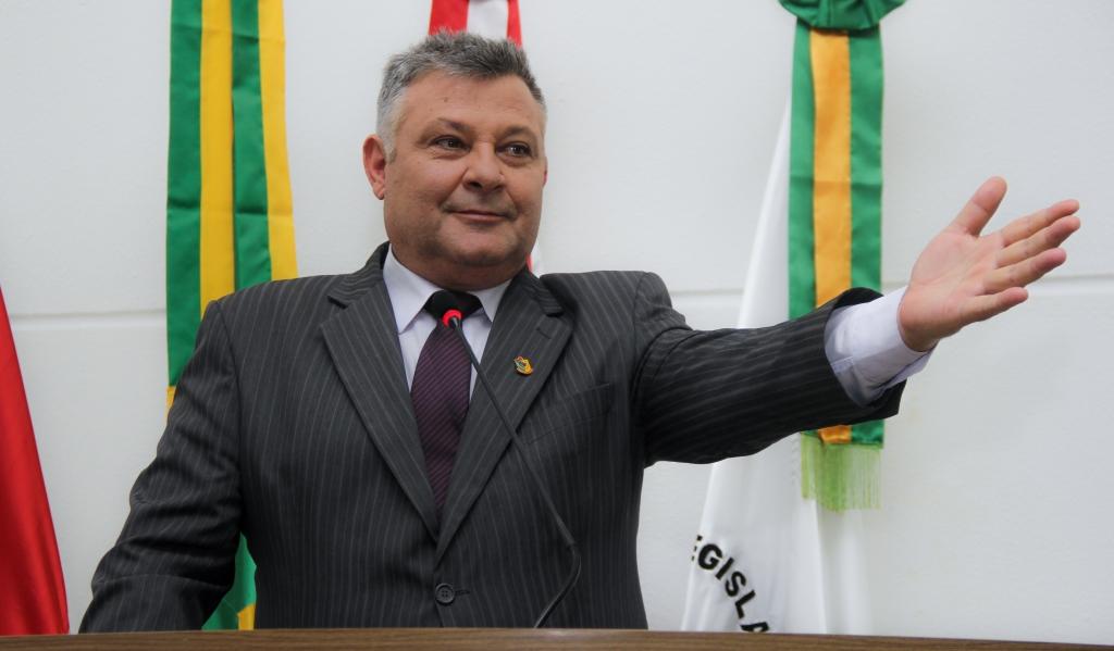 Moraes solicita pavimentação no Brejaru