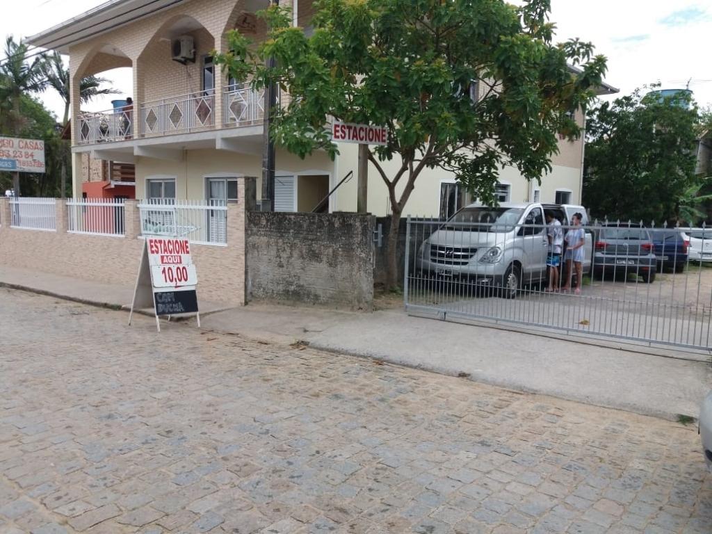 Procon notifica estacionamentos nas praias