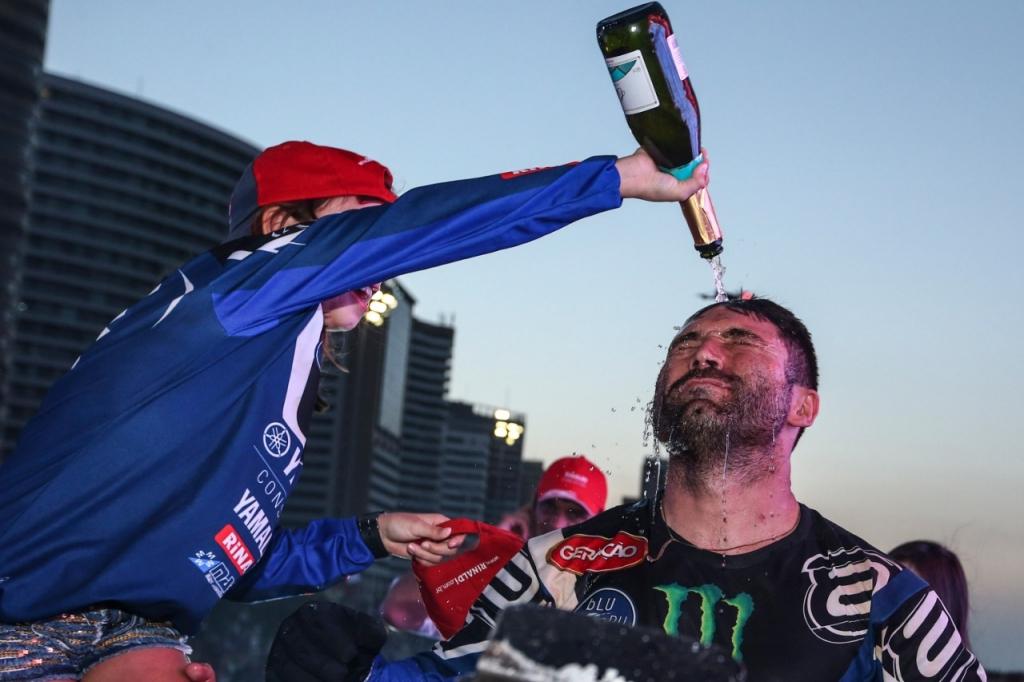 Ricadro Martins campeão no Rally dos Sertões