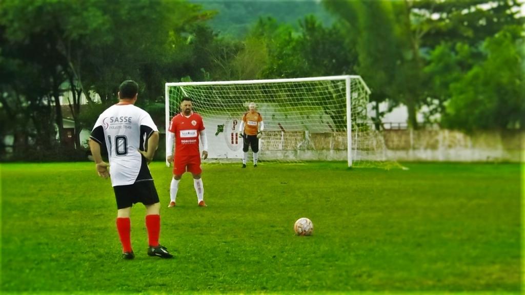 Início do 50tão agita futebol palhocense