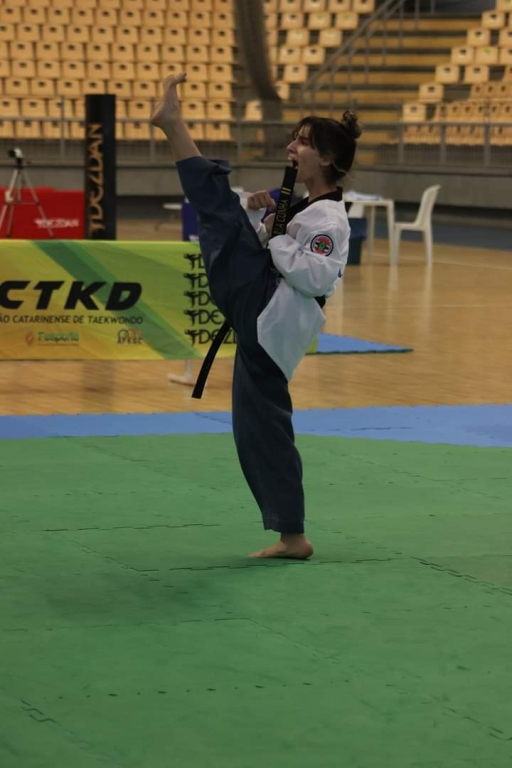 Taekwondo de Palhoça conquista 18 medalhas na Copa Sul