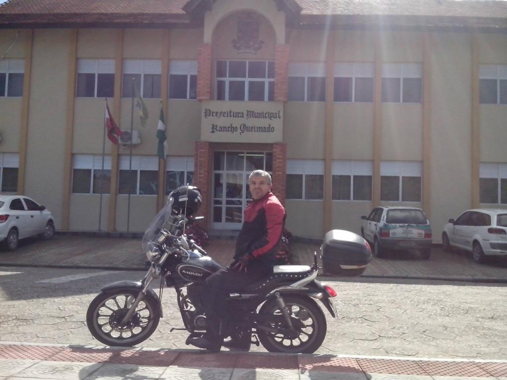 Motociclista percorre as 295 cidades de SC