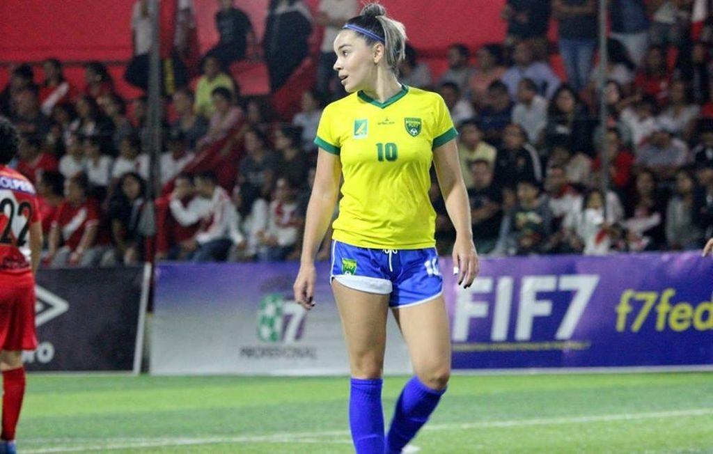 Bruna Silva, jogadora de fut7