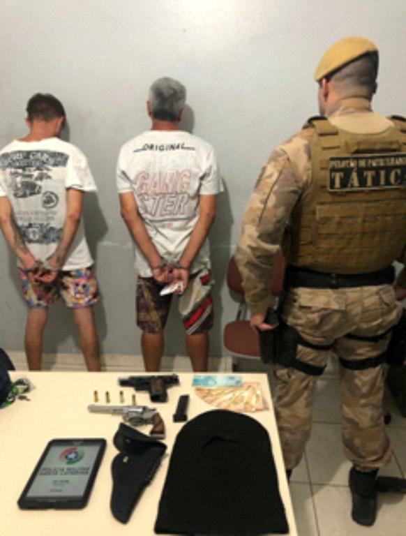 PM prende assaltantes armados: um já era foragido