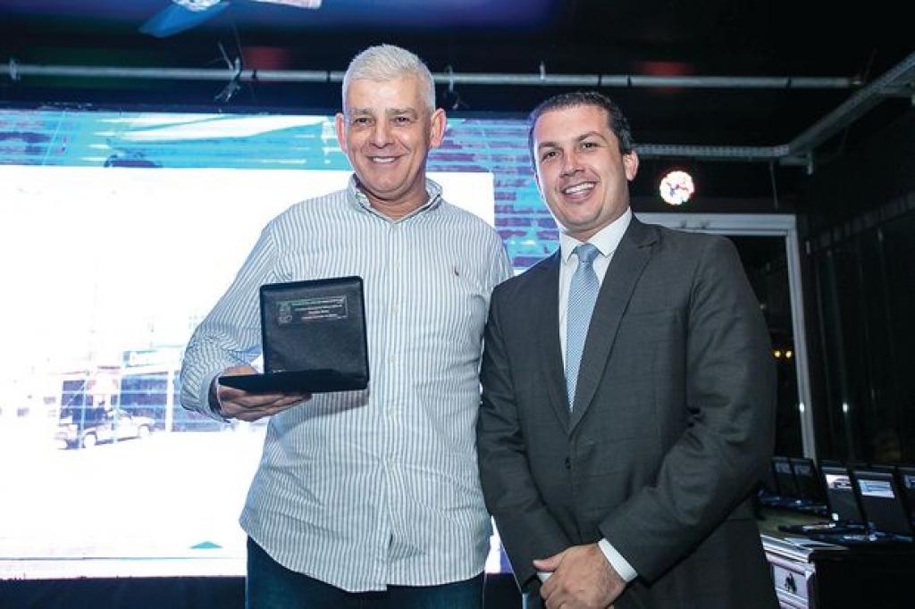 Prefeitura entrega Comenda do Mérito Ivo Silveira