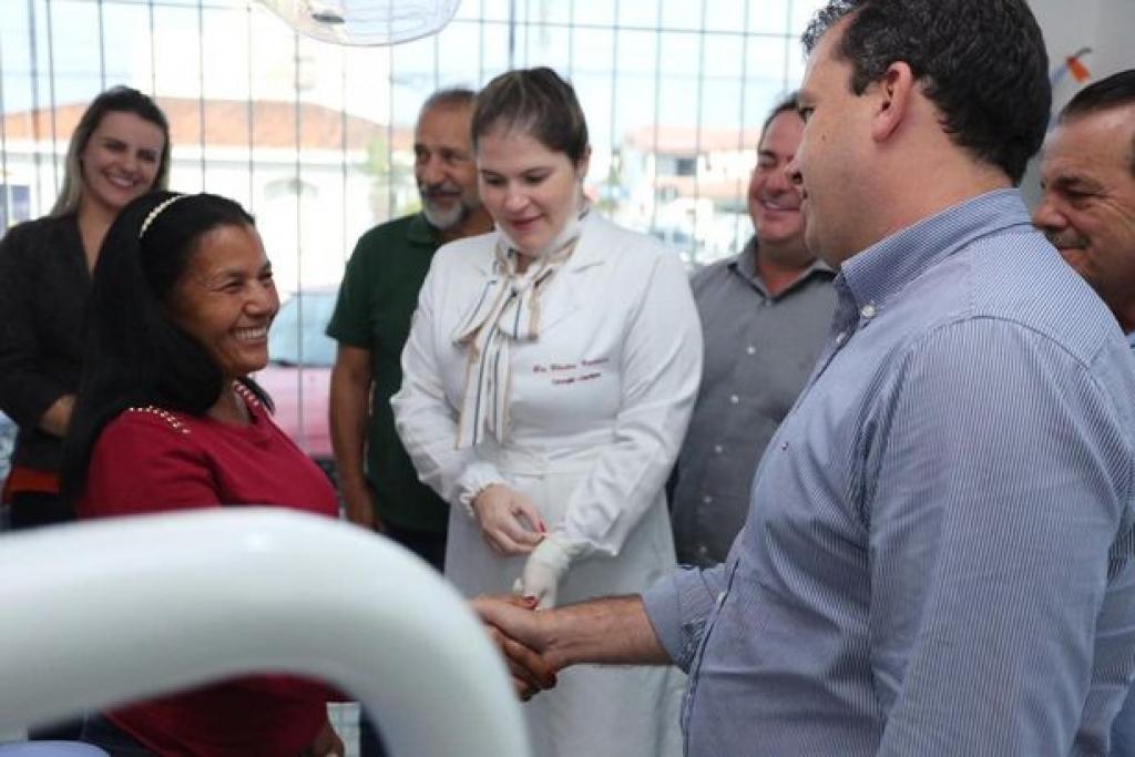 Prefeitura inicia entrega de próteses dentárias