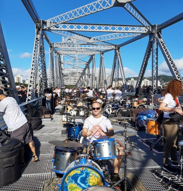 Dia do Rock: entre a farda da GTP e a bateria