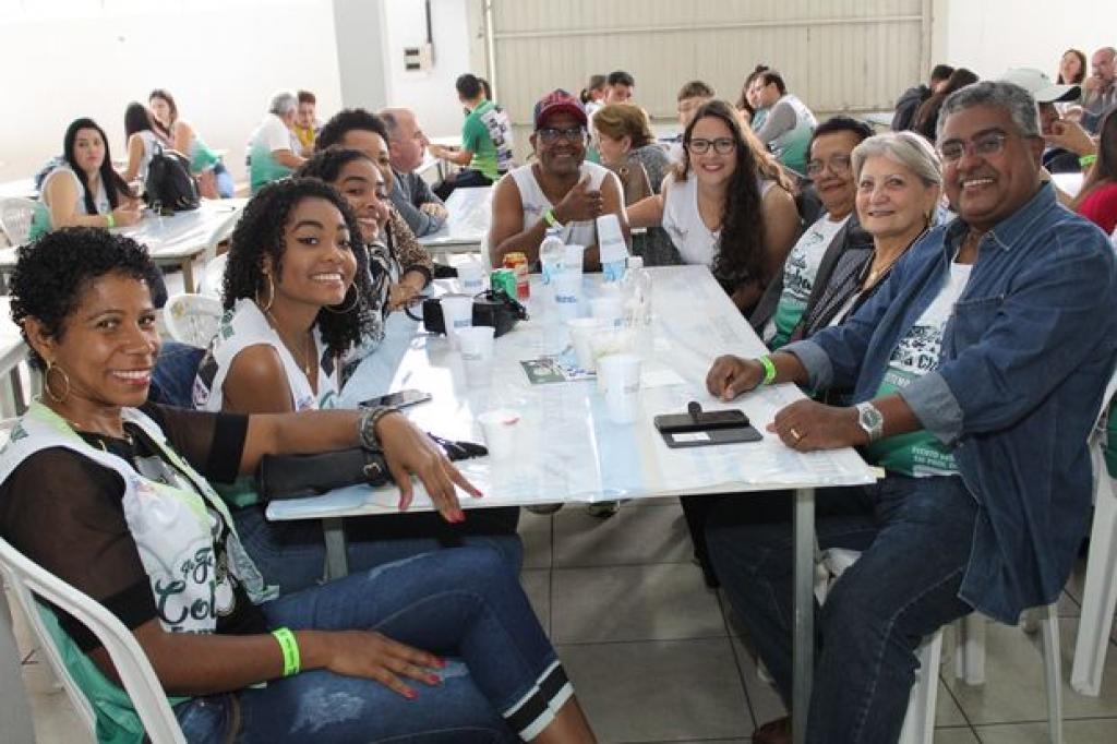 Clima de solidariedade marcou 4ª Feijoada da Colon