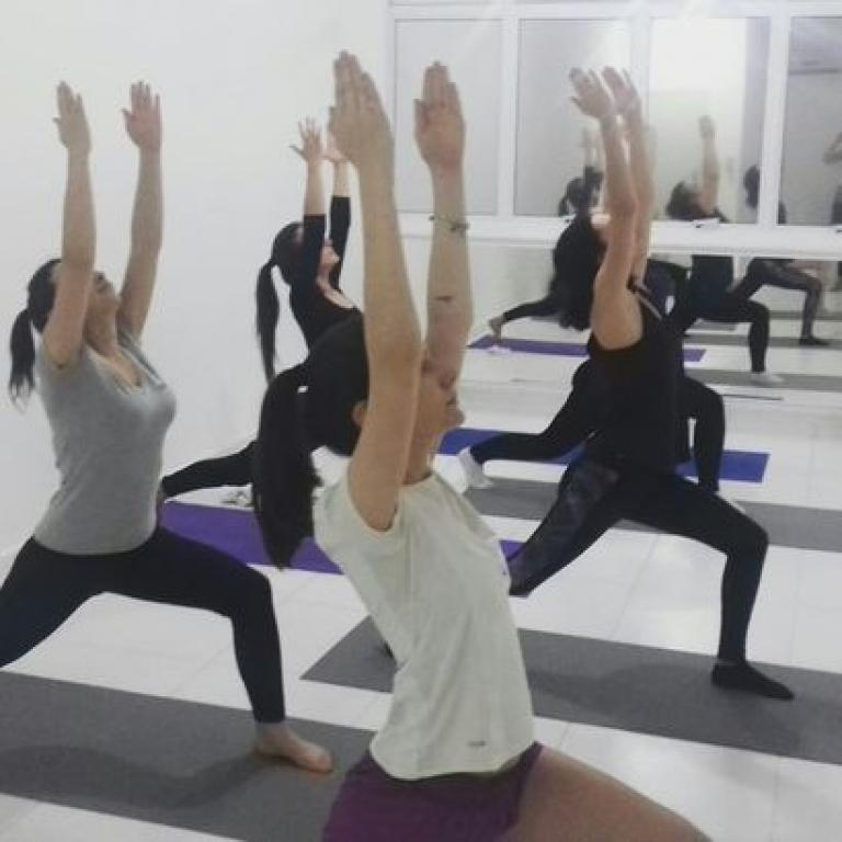 Yoga vem conquistando os palhocenses