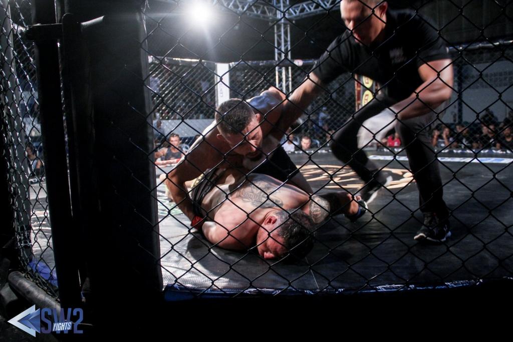 Evento de MMA no Caranguejão é um sucesso