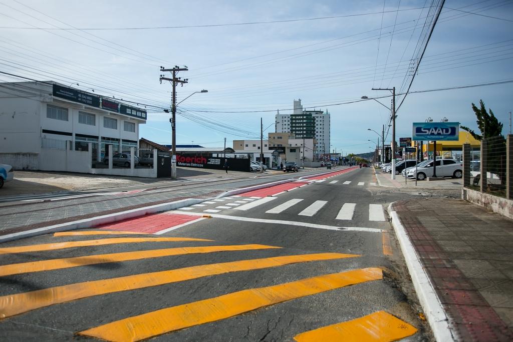 Prefeitura faz pavimentações em diversos bairros