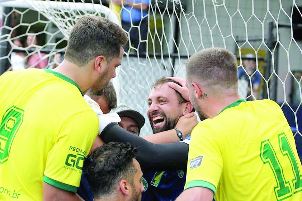 Goleiro vence competição com a Seleção Brasileira