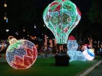 Praça Sete de Setembro iluminada para o Natal