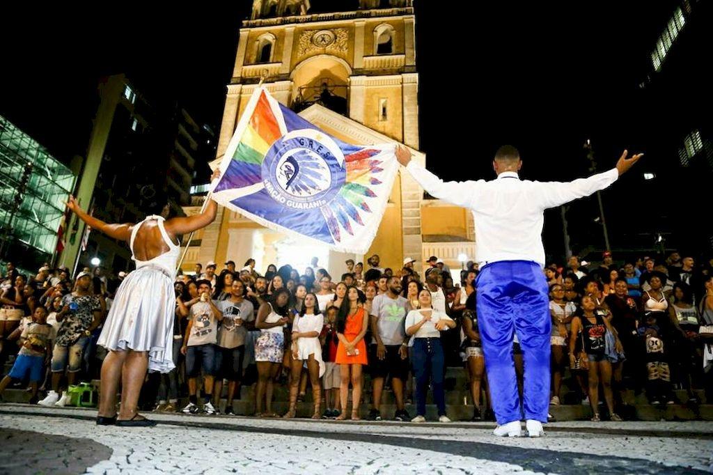 Nação Guarani levou bom público à Praça XV