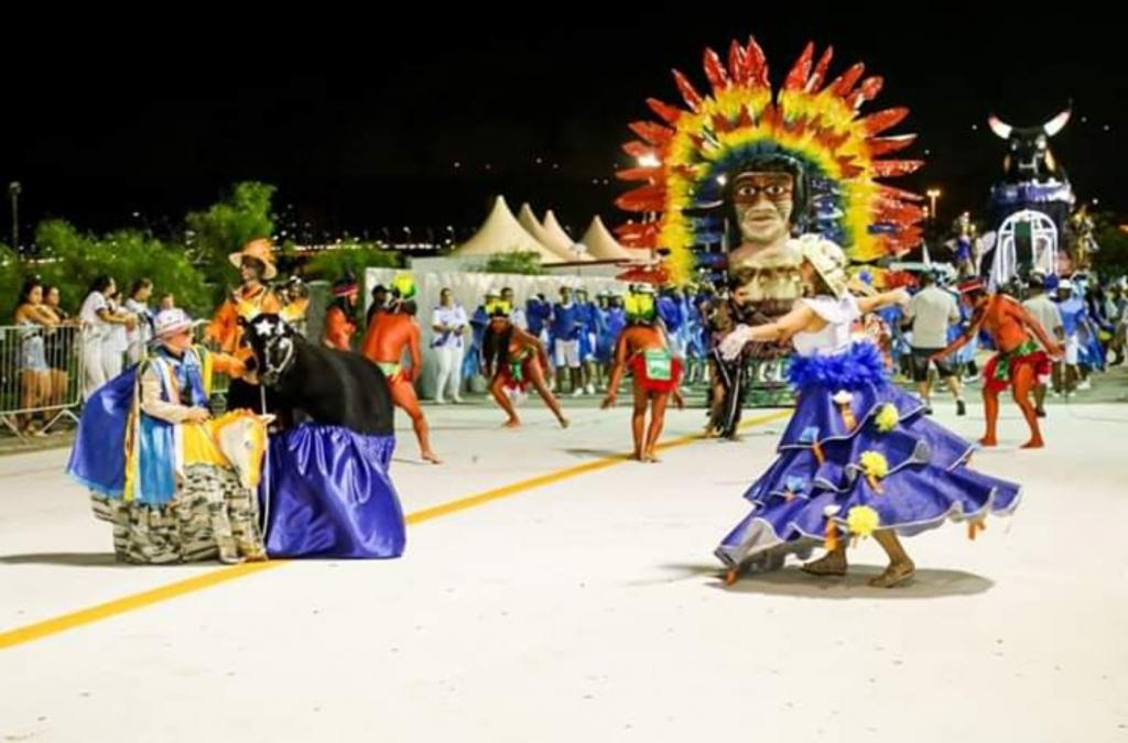Nação Guarani na Passarela Nego Quirido