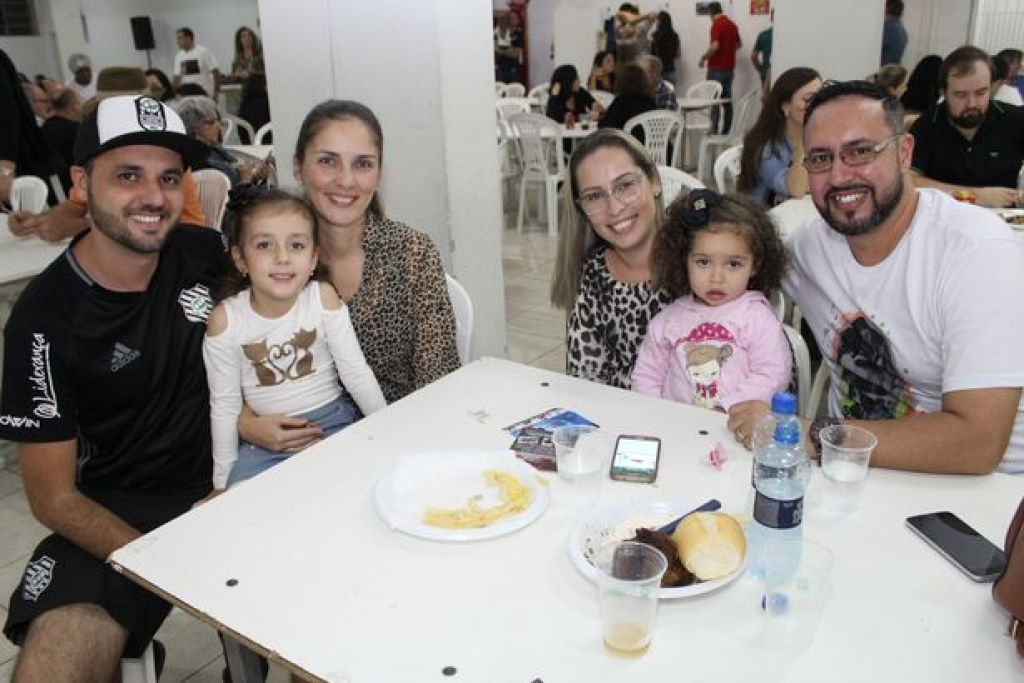 Tradição e fé se renovam na Festa do Divino