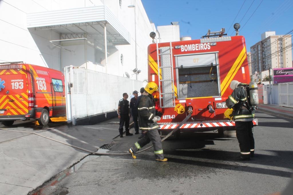 Simulação de incêndio mobiliza forças no Pagani
