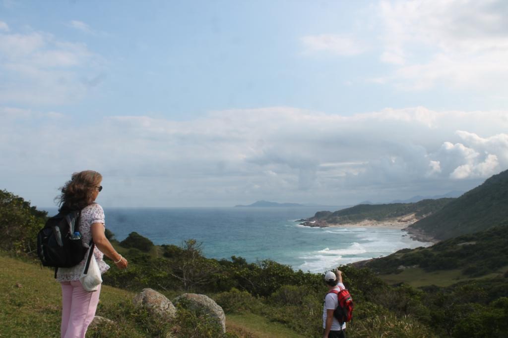 Percorrer trilhas é excelente opção pro verão