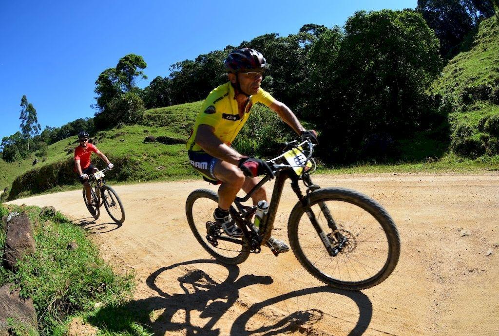 Pedra Branca virou pista de mountain bike