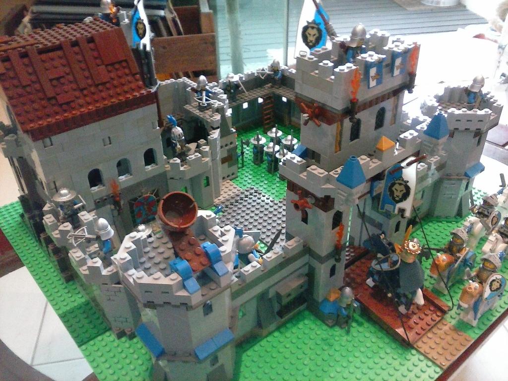 Palhocense participa de concurso de Lego