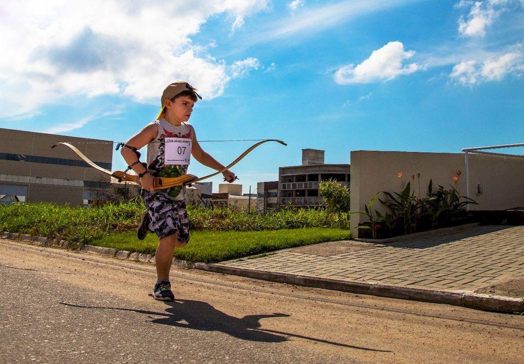 Primeira competição de Run Archery na Pedra Branca recebe atletas de Blumenau e Grande Florianópolis