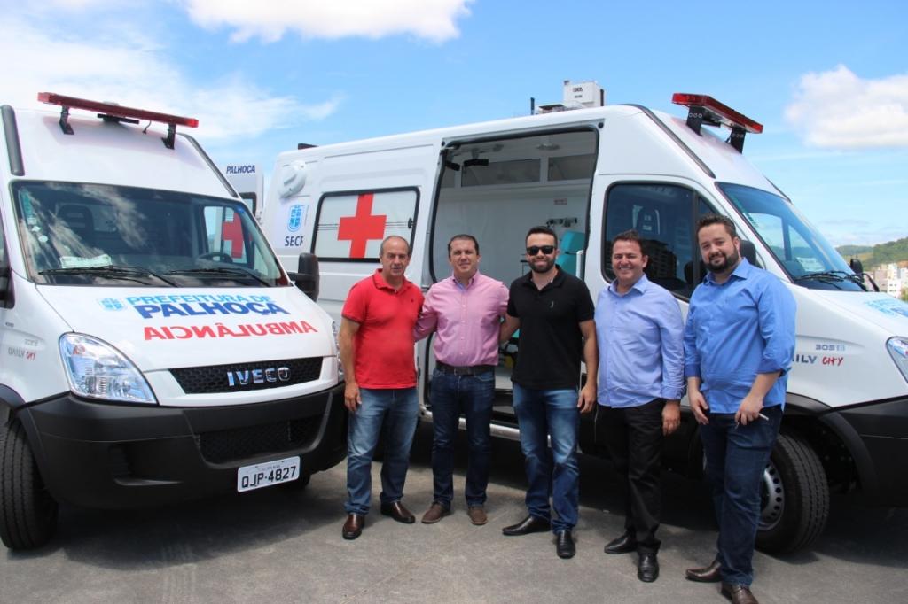 Palhoça recebe novas ambulâncias