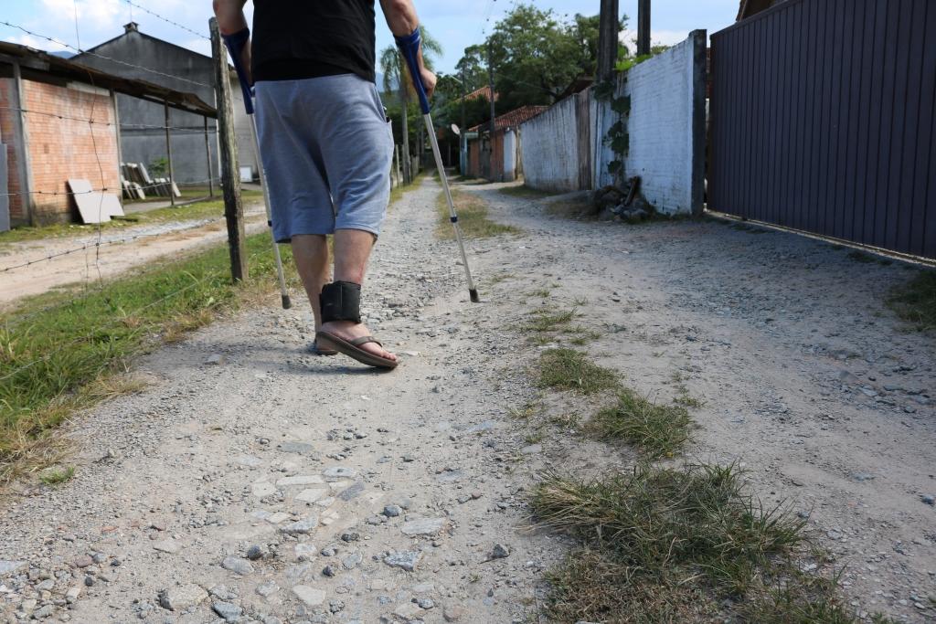 Ruas em estado precário prejudicam mobilidade