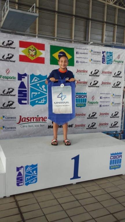Unisul sedia competição de natação