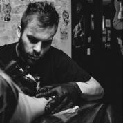 Evento: faça uma tatuagem e doe alimentos