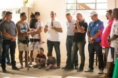 Prefeitura inaugura oito ruas na Barra do Aririú