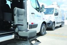 Prefeitura entrega duas ambulâncias