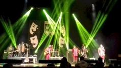 Theatro dos Bonecos faz show no Divino Gastroclub