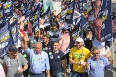 Caminhada reúne apoiadores de Nazareno Martins
