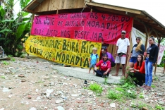 Moradores da Ocupação Beira-Rio fazem manifestação