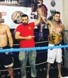 Léo Augusto vence combate de MMA