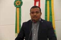 Jean Negão propõe implantação de rótulas