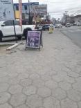 Prefeitura fiscaliza placas de publicidade em loca