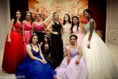 Festa solidária emociona voluntários e debutantes