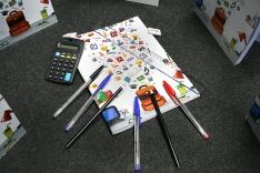 SED distribui kits de material escolar