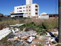 Bala preocupado com terrenos abandonados