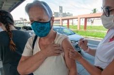 PH inicia vacinação para idosos acima de 79 anos