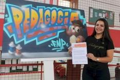 Estudante quer participar de evento na Colômbia