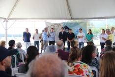 Prefeitura entrega mais 80 escrituras públicas