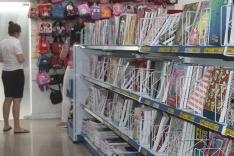 Lojistas otimistas com venda de material escolar