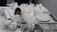 Polícia apreende 2kg de drogas na Barra do Aririú