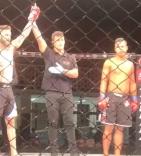 Léo Augusto vence luta de MMA