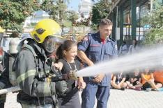 Corpo de Bombeiros oferece treinamento de incêndio a escolas e outros estabelecimentos